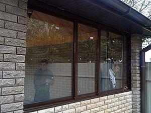 Мангальная. Раздвижные алюминиевые окна. Трехполозник. Глубина конструкции 90 мм