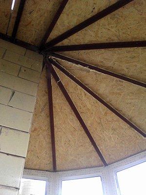 Очень сложная крыша на круглый балкон
